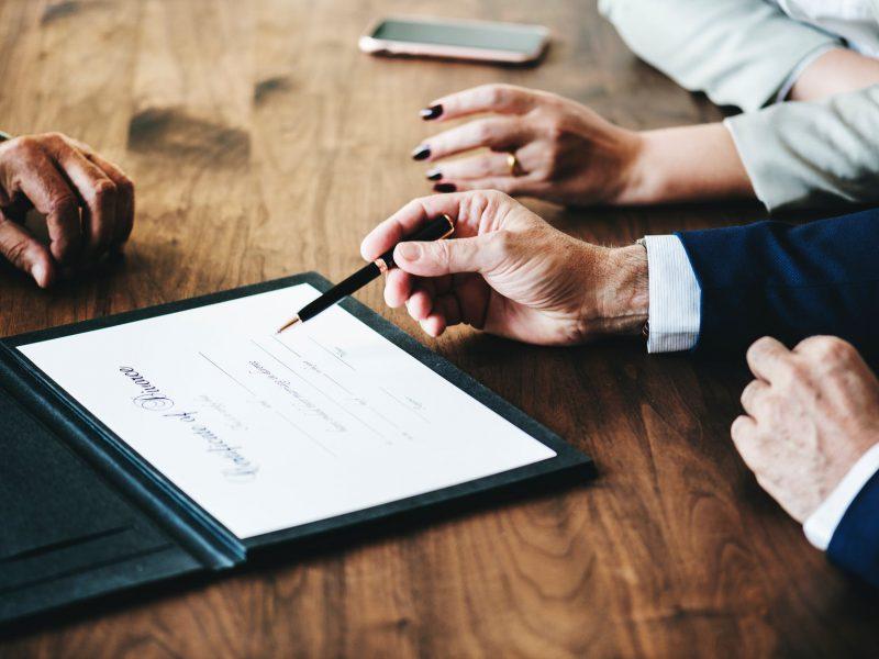 5 Hal yang Perlu Diperhatikan Dalam Membuat Surat Perjanjian Kerja Sama Pendiri Bisnis (Founders Agreement)
