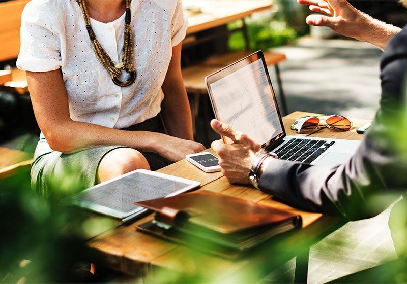 Contoh Perjanjian Kerja Sama Perusahaan Beserta Manfaat & Komponen Didalamnya